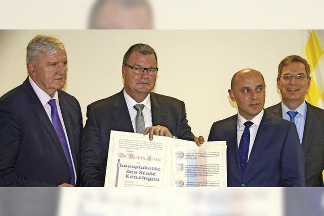 Ehrenplakette der Stadt Kenzingen für Mladen Karlic
