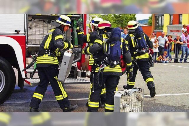 Feuerwehren im Landkreis Lörrach kämpfen um die Leistungsspangen