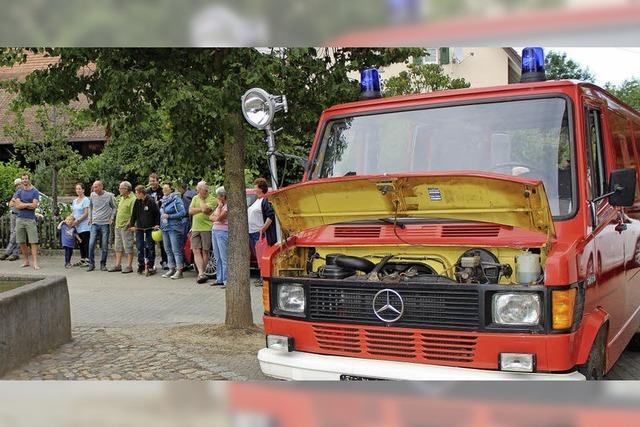 Feuerwehrauto wird zum Wohnmobil