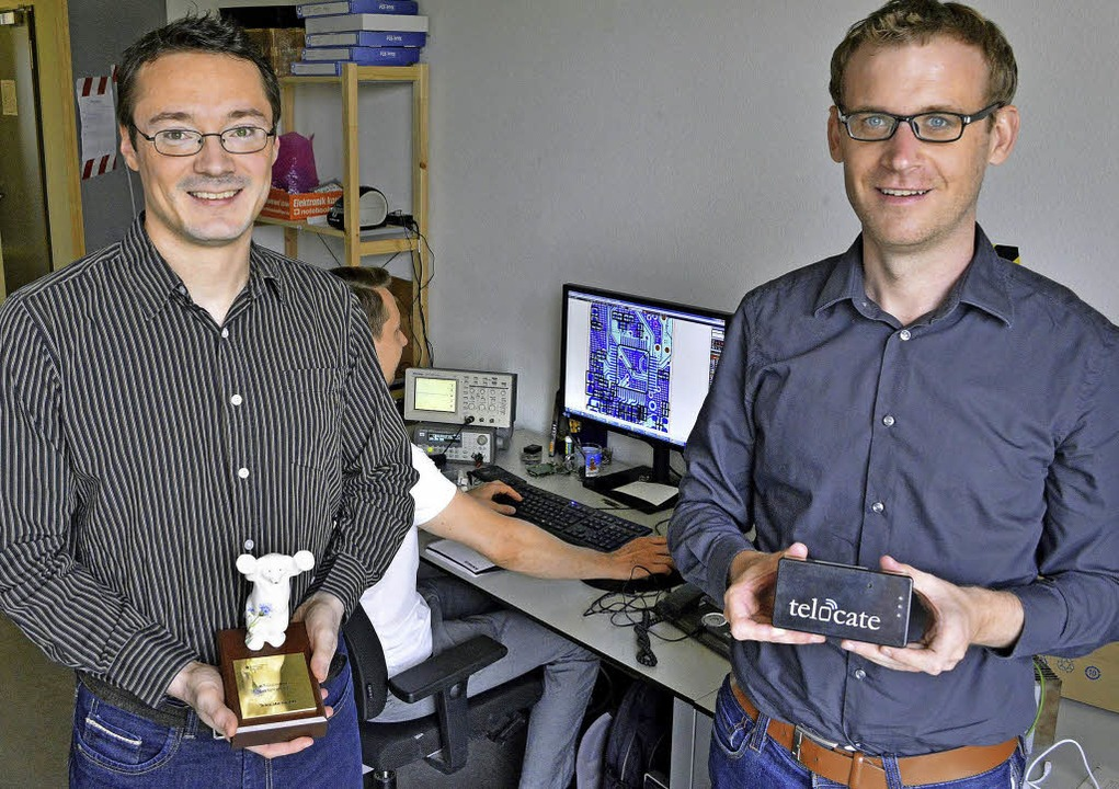 Johannes Wendeberg (links) und Fabian ...d Geschäftsführer der Firma Telocate.   | Foto: Michael Bamberger