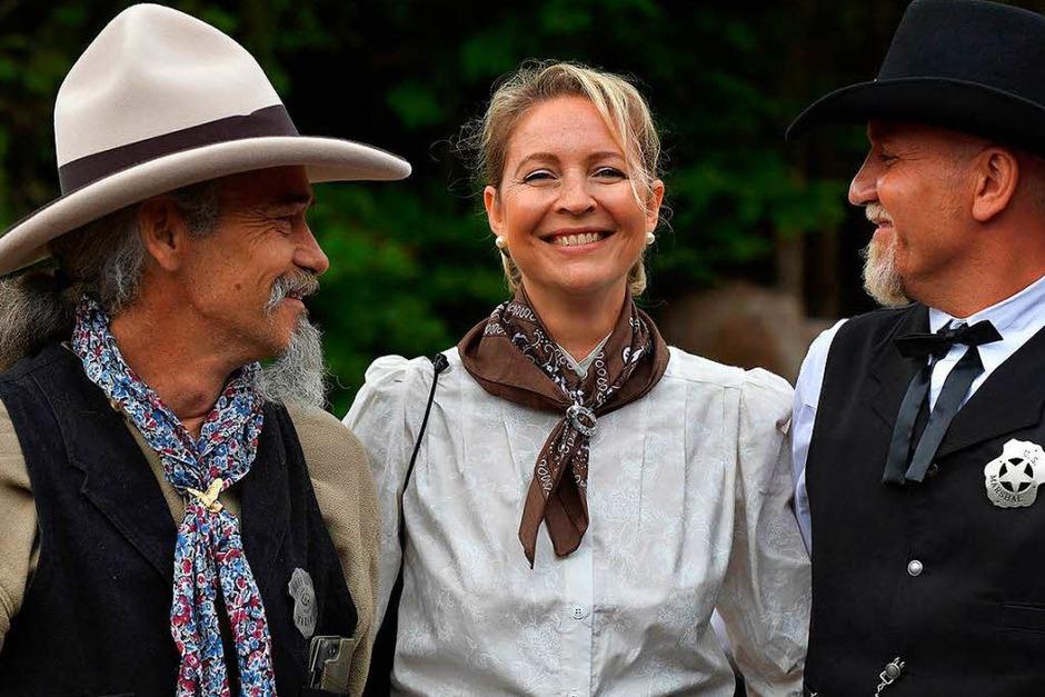 Western Tage in Schluchsee. Es sind viele gute alte Freunde, die einfach nur Spaß haben wollen - und das mit Stil. (Foto: Wolfgang Scheu)