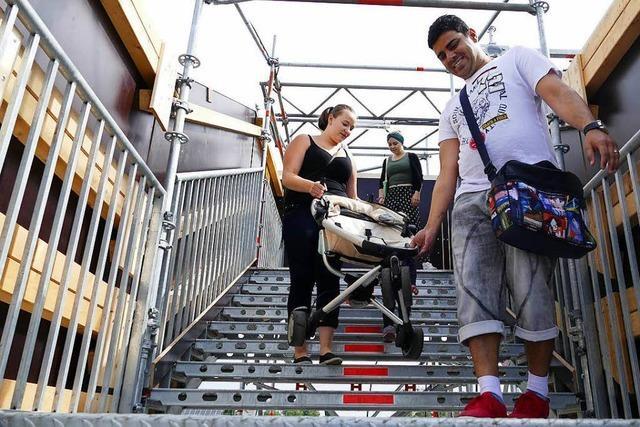 Brücke ohne Fahrstuhl – nun sollen Ein-Euro-Jobber ran