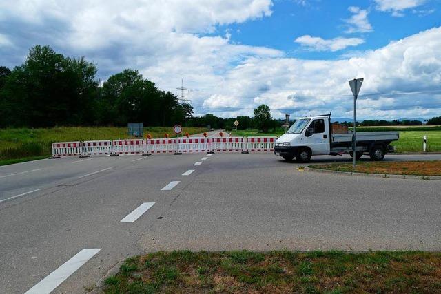 Die B 31 ist zwischen Hochstetten und dem Kreisel bei Breisach gesperrt