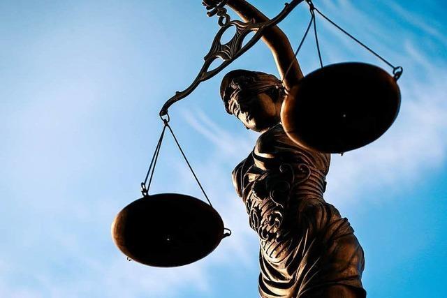 Beim Polizisten-Prozess sagt nun auch ein verurteilter Mörder aus
