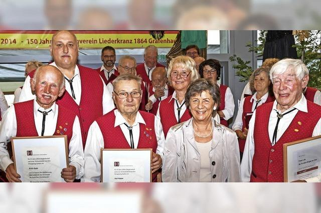 Die Geehrten sind der Beweis: Singen im Chor hält jung
