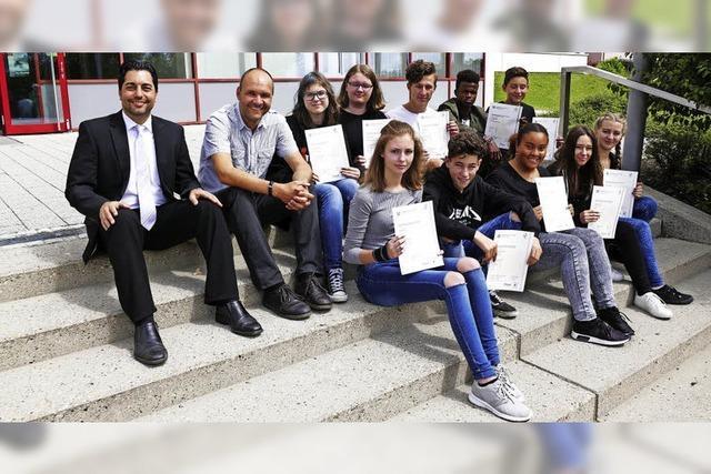 Nach 66 Schulstunden Prüfungen mit Bravour abgelegt
