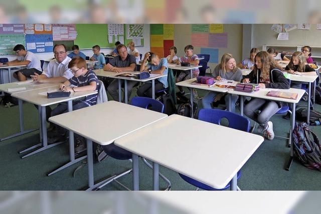 Klassenzimmer mit neuen Möbeln
