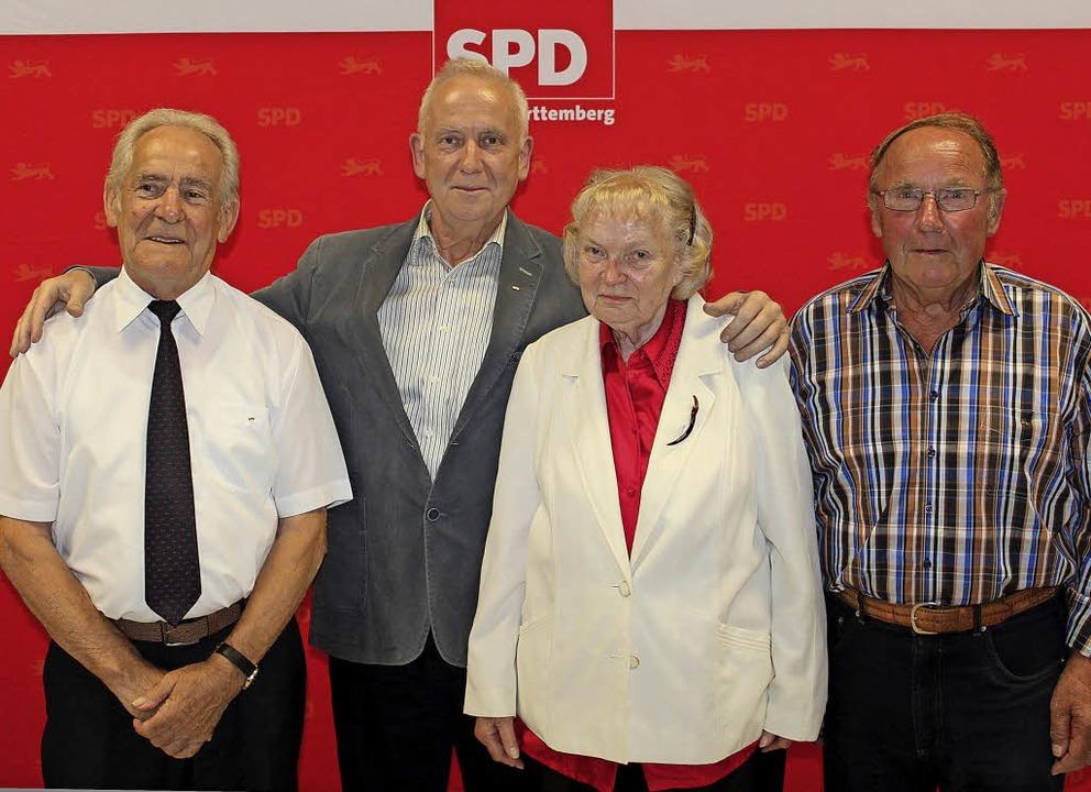Seit 50 Jahren im SPD-Ortsverband Gott...h, Eva Heublein und Heinrich Fischer.   | Foto: Mario Schöneberg