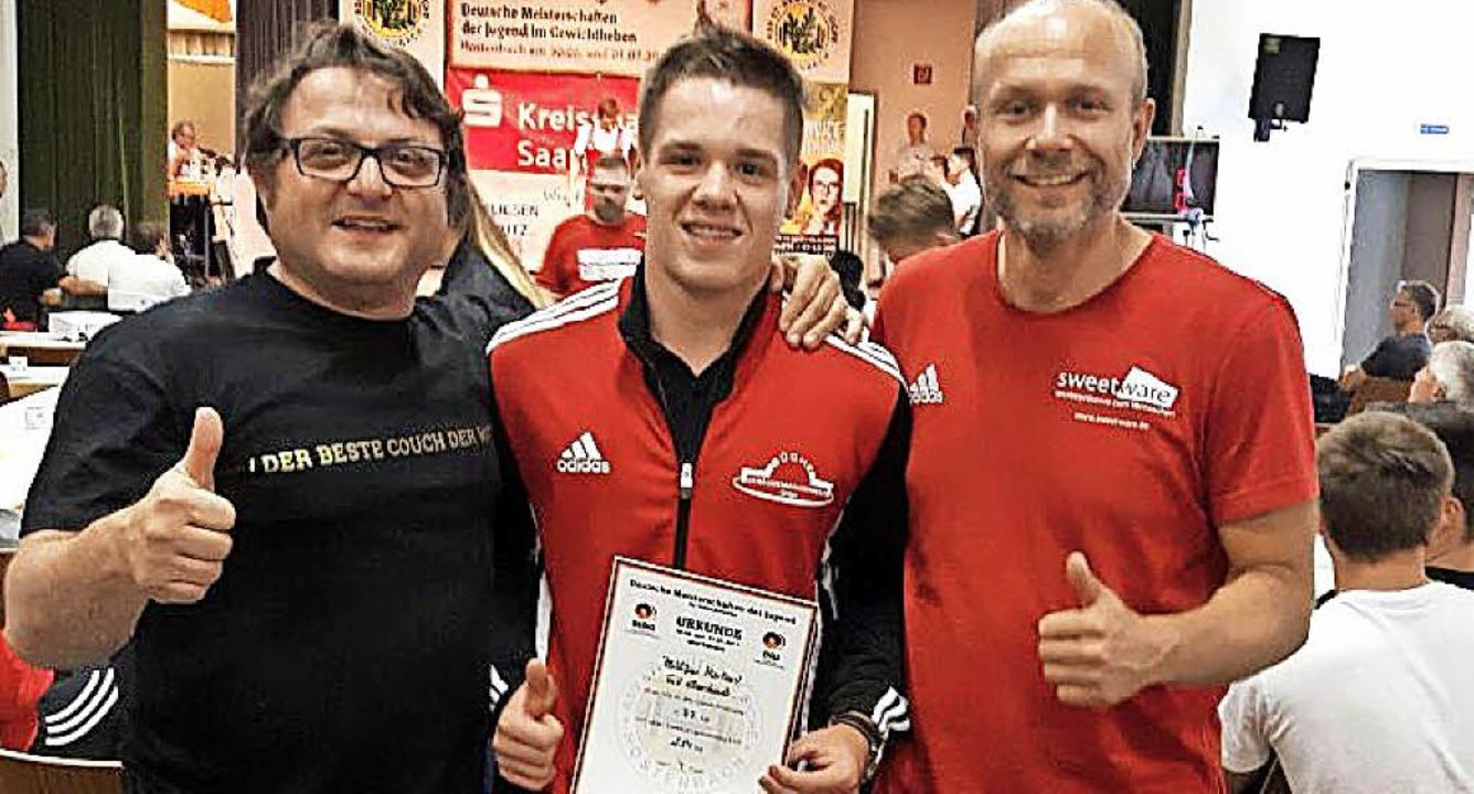 Vater und Trainer Hans Mariani (links)...er den DM-Erfolg von Philipp Mariani.   | Foto: ZVG