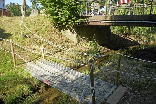 Die Rote Brücke in Istein wird ersetzt