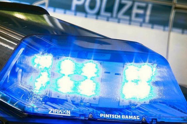 Zwei Verletzte und 12 000 Euro Schaden auf der A 5