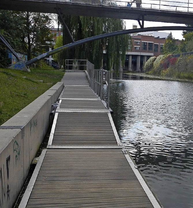 In diesem Stil soll eine Rampe im Rheinufer entstehen.   | Foto: Stadt