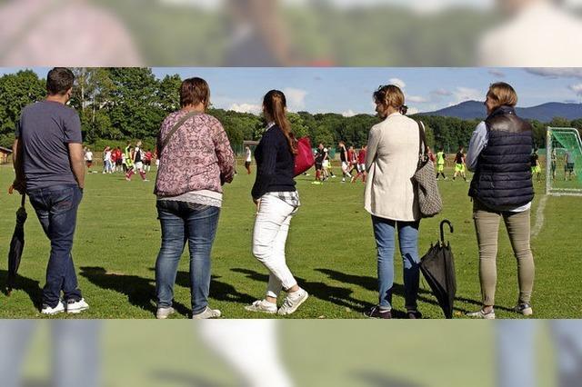 Heuboden-Kicker besiegen Gutshof-Team