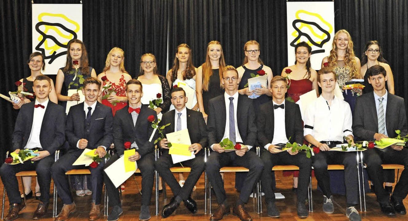 Abi-Preisträger 2017 -  (stehend von l... Sören Heege, Rico Holz, Julian Bührer  | Foto: Markus Zimmermann
