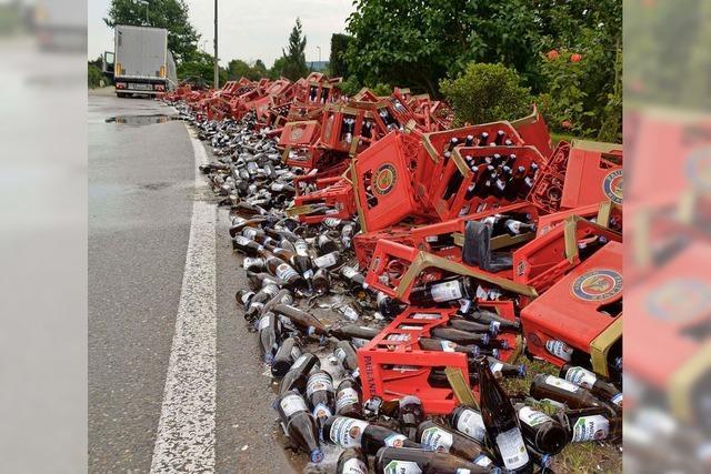 Bierlaster verliert Ladung