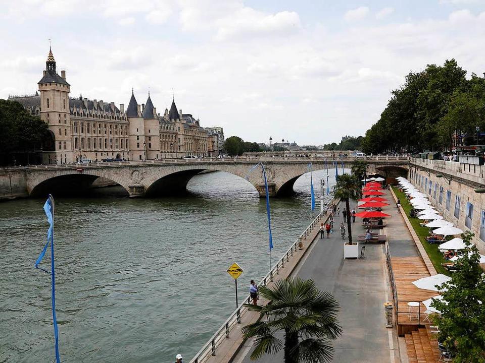 Das Pariser Seineufer ist eine Beispie...ie sich Großstädte attraktiver machen.  | Foto: FRANCOIS GUILLOT
