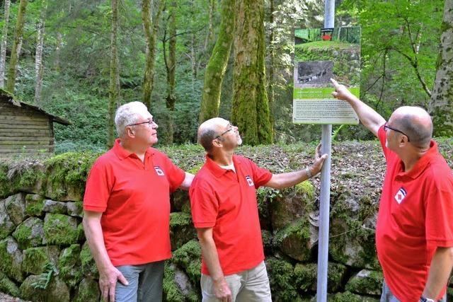 Mit viel Hauruck alte Steinrampe restauriert