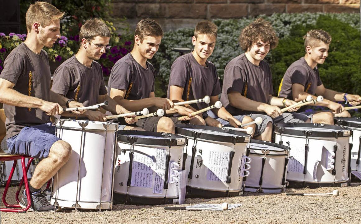Freude an der Musik und geschickte Fin...ter Martin Müller (Zweiter von links).  | Foto: Martin Hannig