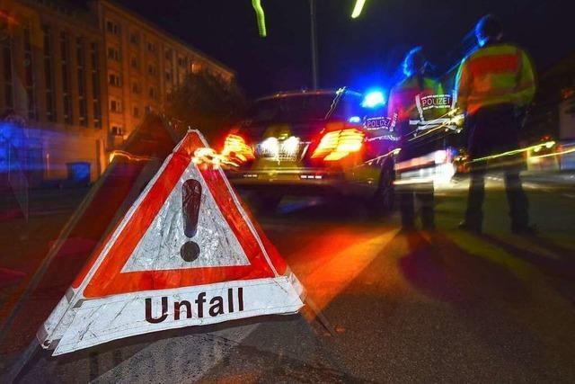 Lkw-Ladung Kies blockiert Nord-Fahrbahn bei Appenweier