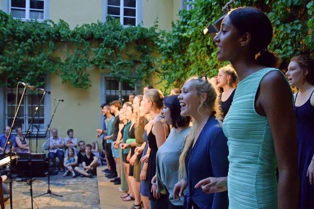 19 Chöre singen gemeinsam bis Mitternacht