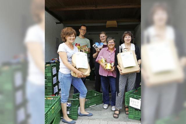 50 Kisten Lebensmittel für bedürftige Mitbürger
