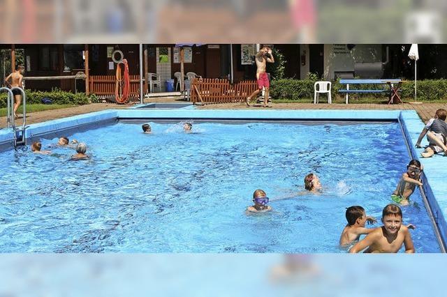 Ein Schwimmbad im allerbesten Alter