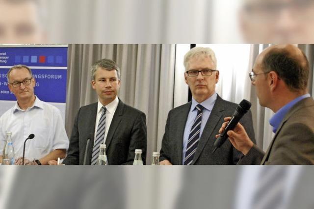 Experten diskutieren im Dreiländermuseum Lörrach über Energiewende und Klimaschutz