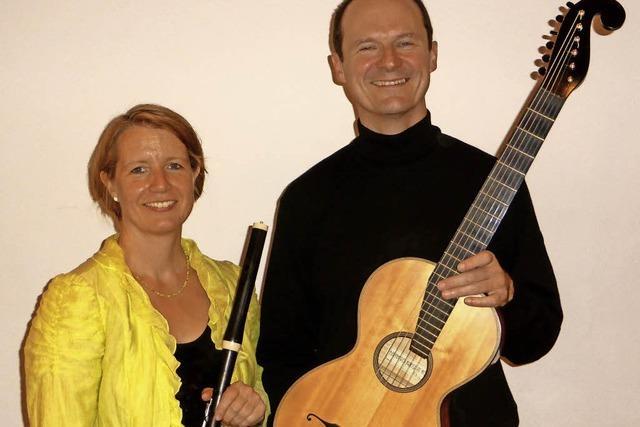 Heike Nicodemus (Traversflöte) und Maximilian Mangold (Gitarre) in Kenzingen