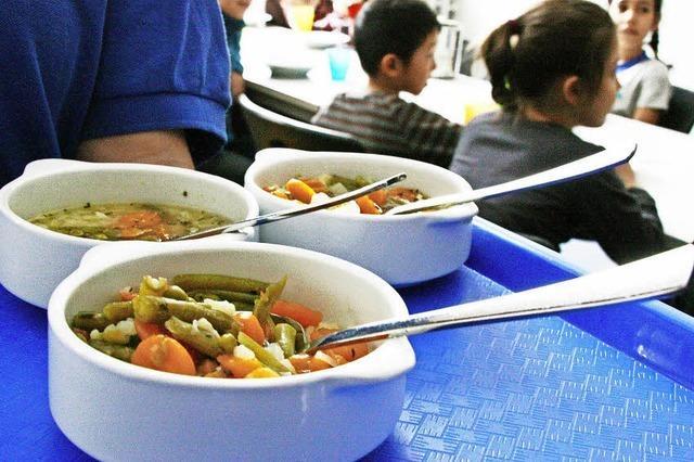 Gutes Mittagessen für noch mehr Schüler