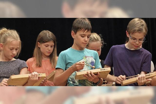 Tangoklänge aus 24 Xylophonen