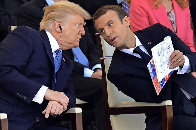 Frankreich gedenkt und versucht ein wenig zu feiern