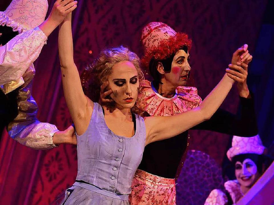 "Nur einmal führte sie Regie: Szene aus Massenets Oper ""Cendrillon""  | Foto: Maurice Korbel"