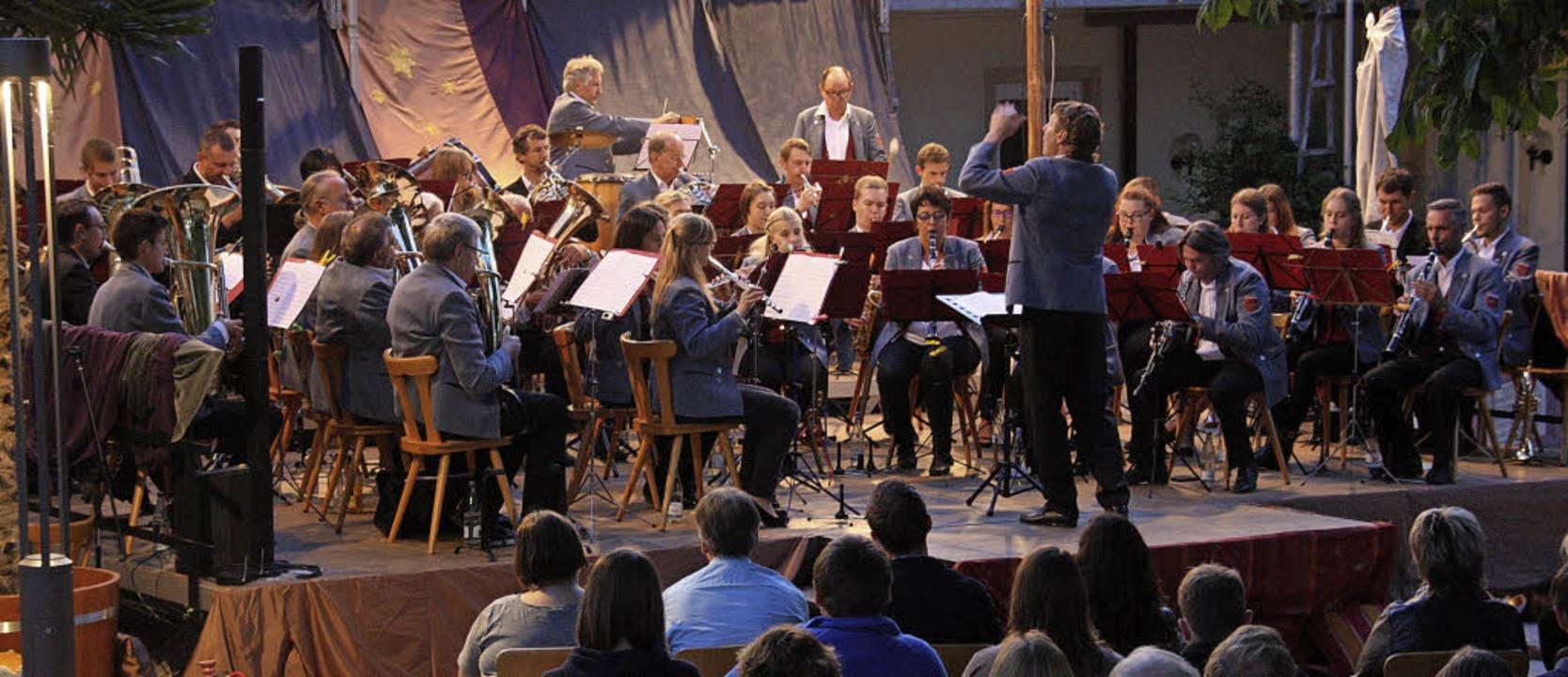 Unter der Leitung von Sergej Kraft unt...orce-Ritt durch die Welt des Musicals.  | Foto: Hans Jürgen Kugler