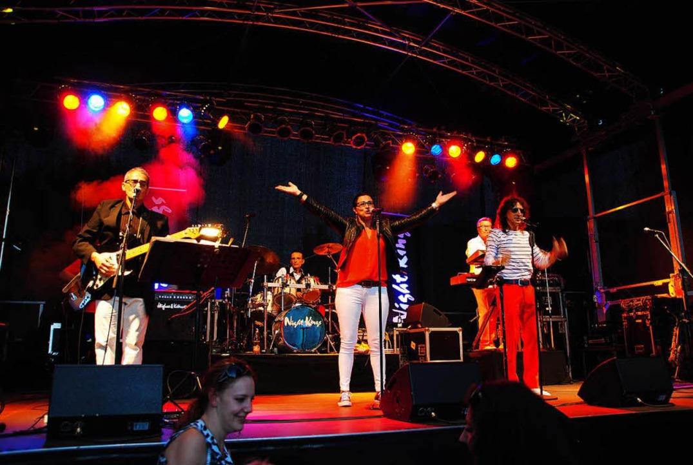 Alles passte beim Sektfestival: Musik,...ngs heizten ein.  Getanzt wurde gerne.    Foto: Norbert Sedlak