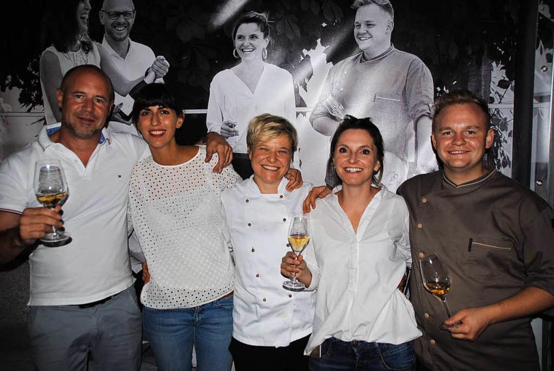Die Gastronomen Rainer Wiedmer (Gastha...mer (Eckert) gehörten zum  Wirte-Team.    Foto: Norbert Sedlak