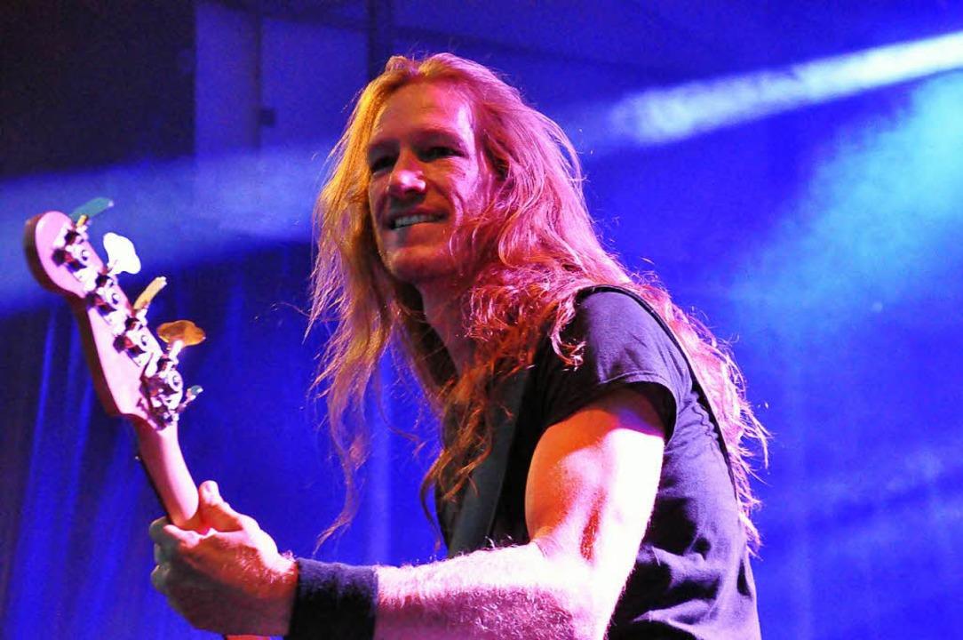 Der Bassist der Death Angel  | Foto: Nicolai Kapitz
