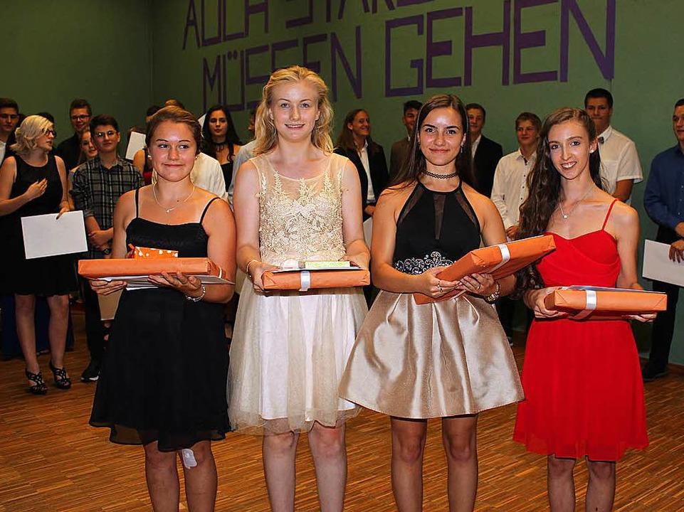 Als  die vier besten  Schüler des Absc...po und Larissa Buttinger (1,2) geehrt.  | Foto: Mario Schöneberg