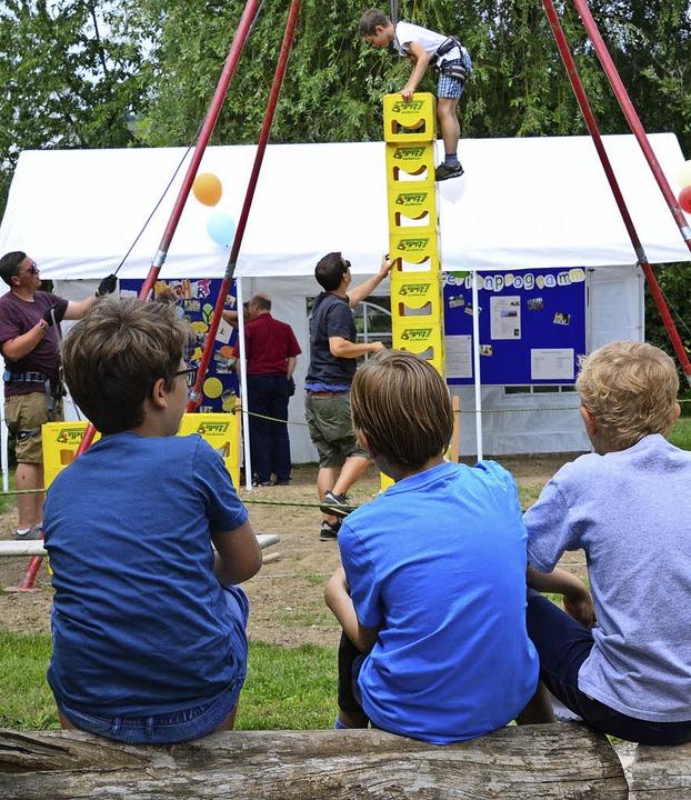 Beim Stiftungsfest stellten sich die F... Ferienprogramm, auch Mitmachangebote.  | Foto: Annette Mahro