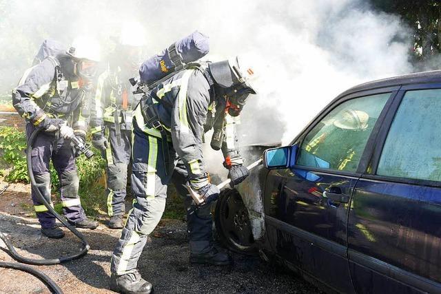 Motorraum geht in Flammen auf – 1500 Euro Schaden