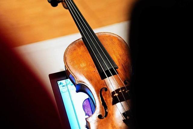 Unbekannter nimmt vergessene Violine im Wert von mehreren 100.000 Euro mit