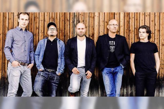 Musik von Band Forrester und anderen in Titisee-Neustadt