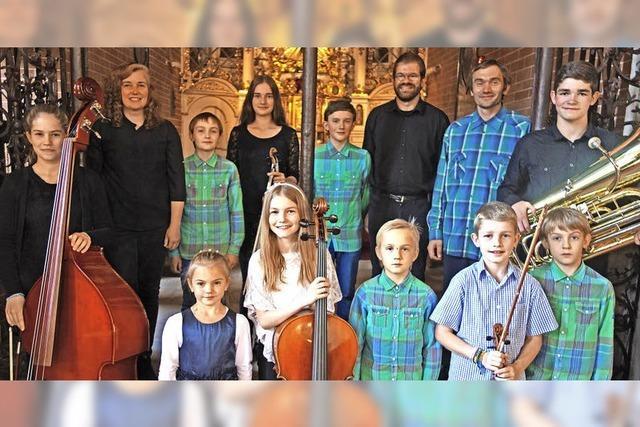 Zwei Familien rühren die Herzen der Gäste im Kloster