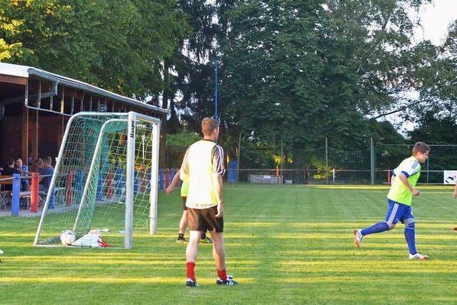 FC Huttingen lädt zu viel Fußball und Bierwandertag
