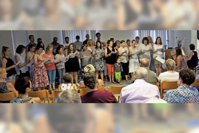 Zehn Lieder für gut hundert Zuhörer in Binzgen