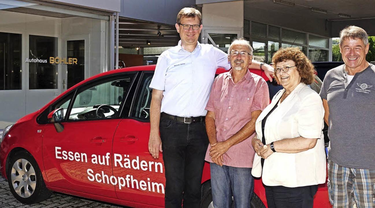 """Starthilfe für """"Essen auf Rädern...h Felber, Fahrer des neuen Fahrzeugs.     Foto: Hans-Jürgen Hege"""