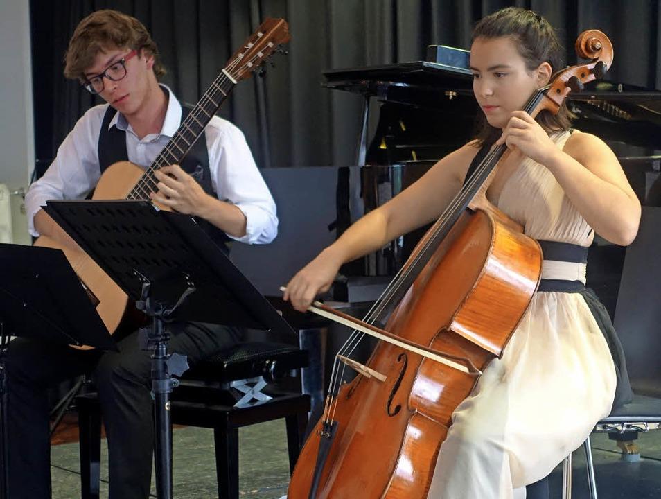 Festivalleiterin Natalia Dauer (Cello)...en und weiteren jungen Musikern  auf.   | Foto: Roswitha Frey