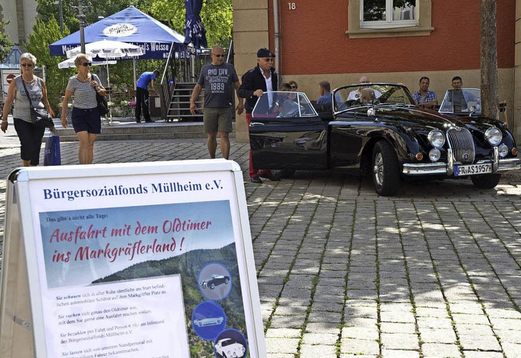 Fahrten mit Oldtimern für einen guten Zweck.     Foto: Volker Münch