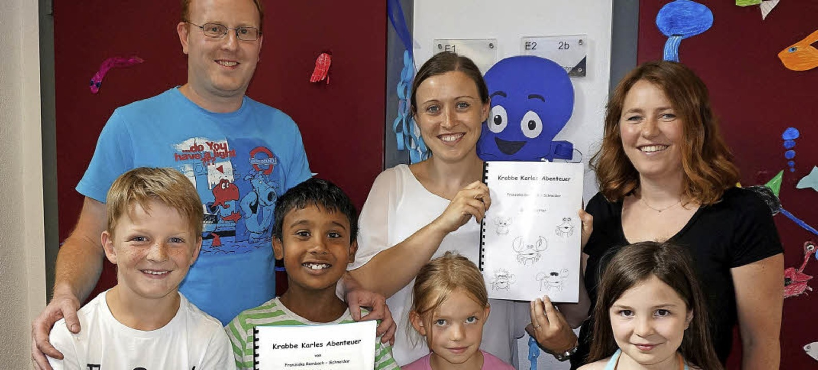 Vorne Kinder einer Inklusionsklasse de...anziska Rombach-Schneider (von links)   | Foto: Ursula Freudig