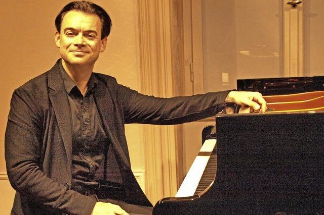 Auch er ist ein Virtuose auf der Tastatur