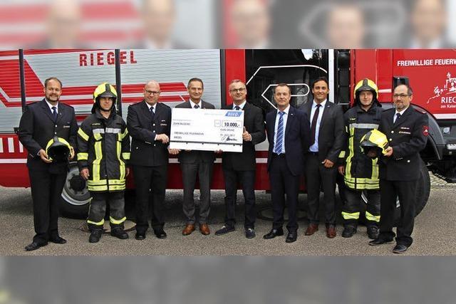 BGV spendet 10 000 Euro für Riegels Wehr
